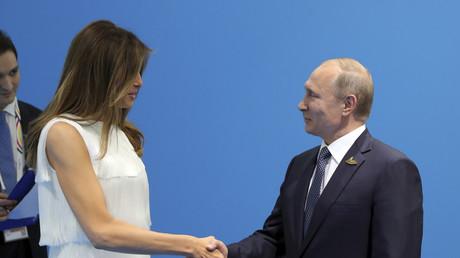 الرئيس الروسي، فلاديمير بوتين يلتقي السيدة الأولى في الولايات المتحدة ميلانيا ترامب على هامش قمة الـ20