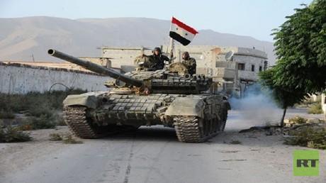 الجيش السوري في بلدة الشيخ مسكين الاستراتيجية