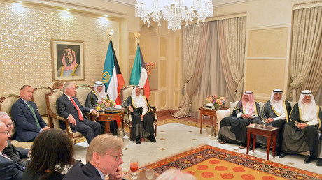 أمير الكويت يلتقي وزير الخارجية الأمريكية