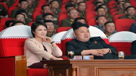 كيم جونغ أون وعقيلته لي سول تشجو
