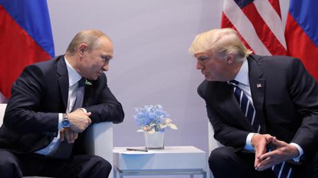 محادثات بين الرئيس الروسي فلاديمير بوتين ونظيره الأمريكي دونالد ترامب