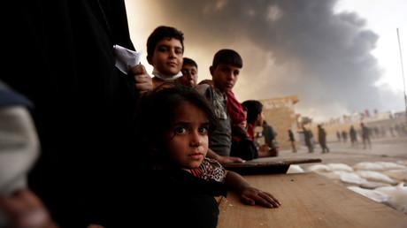 أطفال نازحون بضواحي الموصل