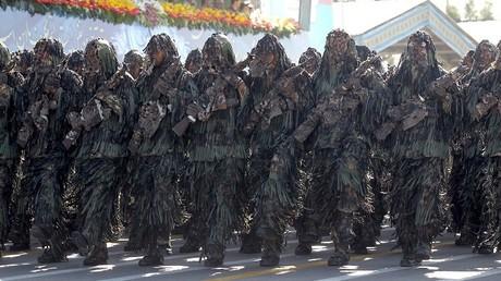 عناصر من القوات الإيرانية