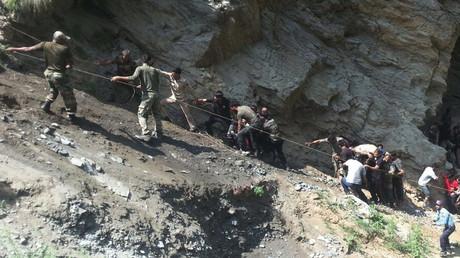 46 قتيلا وجريحا جراء سقوط حافلة في الهوة شمال الصين