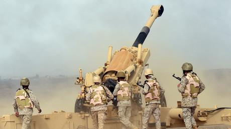 عسكريون سعوديون يطلقون النار على الحوثيين قرب حدود المملكة مع اليمن
