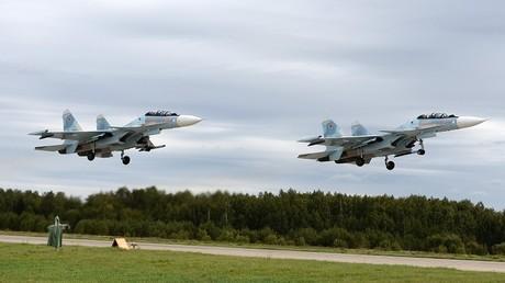 """مقاتلتان روسيتان من طراز """"سو-30 إس إم"""""""