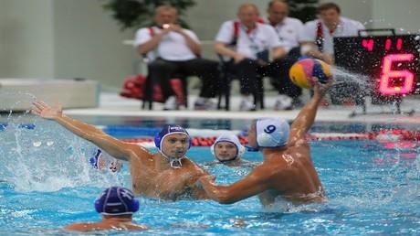 روسيا تتغلب على اليابان بكرة الماء
