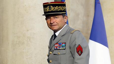 رئيس أركان الجيش الفرنسي الجنرال بيير دوفيلييه