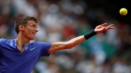 لاعب التنس الروسي أندريه كوزنيتسوف