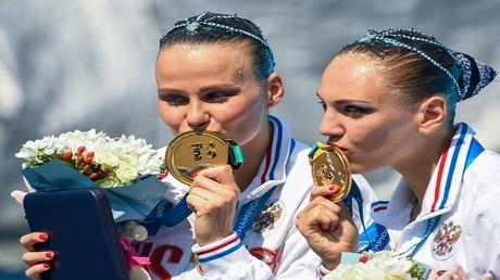 الثنائي الروسي سفيتلانا كوليسنيتشينكو وألكسندرا باتسكيفيتش