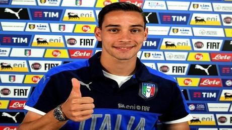 المدافع الإيطالي الدولي ماتيا دي تشيليو