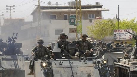 القوات البنانية في بلدة اللبوة قرب عرسال (صورة أرشيفية)