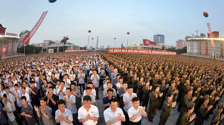 احتفالات في بيونغ يانغ بمناسبة نجاح اختبار صاروخ باليستي