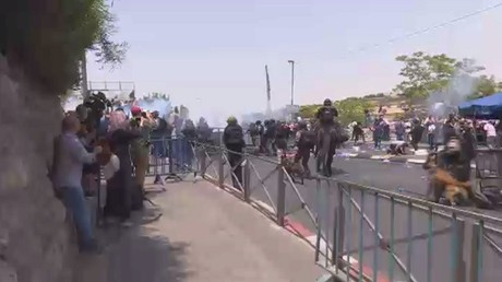 مقتل 3 فلسطينيين وجرح 170 بمواجهات القدس