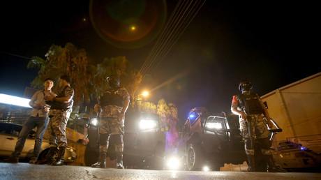 الأمن الأردني في محيط السفارة الإسرائيلية في عمان