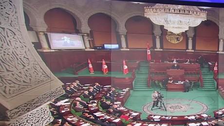 """جدل بشأن قانون """"زجر الاعتداءات"""" في تونس"""