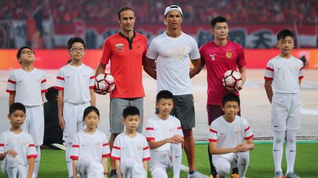 رونالدو أثناء جولته في الصين