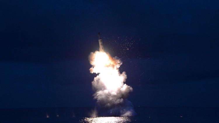 رصد تجربة خفية لإطلاق صاروخ من غواصة بكوريا الشمالية