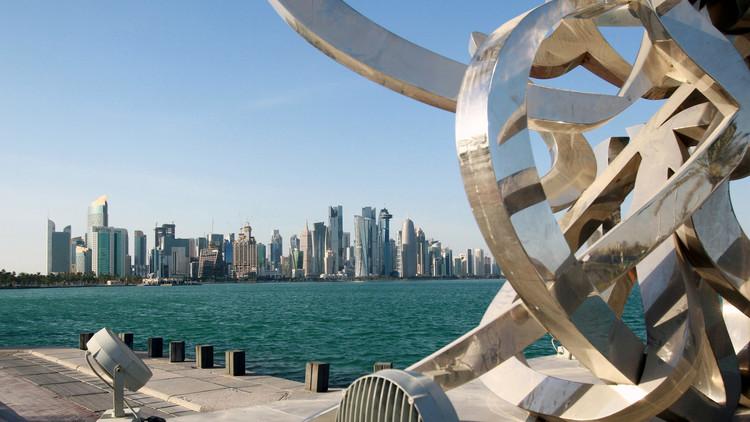 رئيس منظمة حقوقية قطرية لمسؤولة بريطانية: الحياد غير مقبول في هذه الحالة..