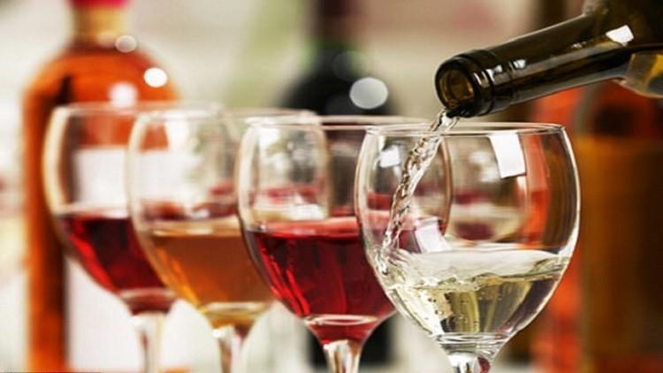 الكحول يرفع خطر الإصابة بسرطان الجلد