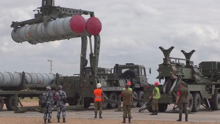 مسابقة في التهيئة لإطلاق صواريخ من منظومة إس-300