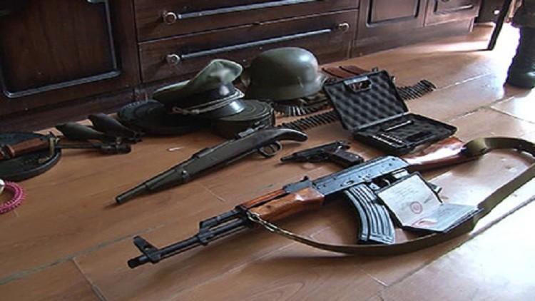 المخابرات الروسية تفكك شبكة لتجارة السلاح وسط البلاد