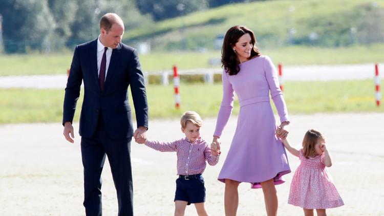 لباس إلزامي يصاحب العائلة المالكة البريطانية في جميع رحلاتها