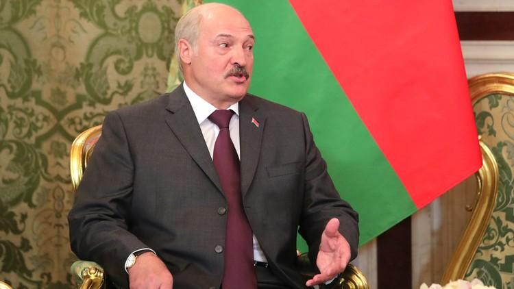الرئيس البيلاروسي يجبر