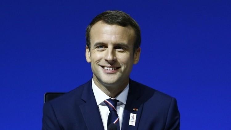 الرئيس الفرنسي يشيد بانتقال نيمار إلى سان جرمان