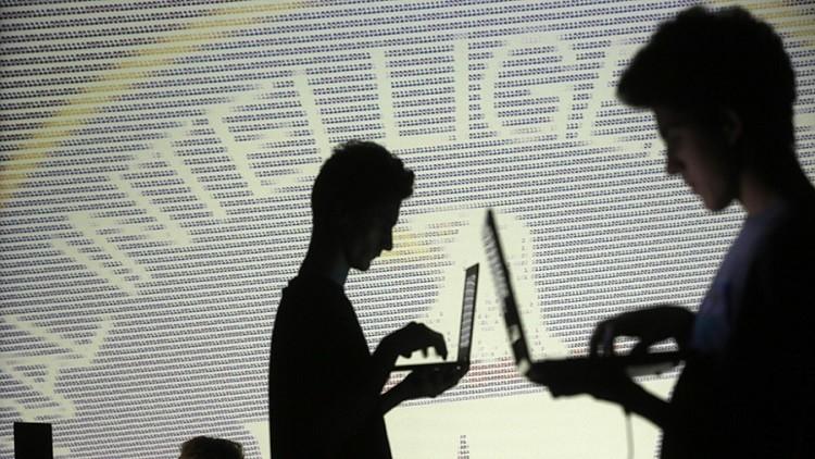 ويكيليكس يفضح عمل CIA في السيطرة على أجهزة الآخرين