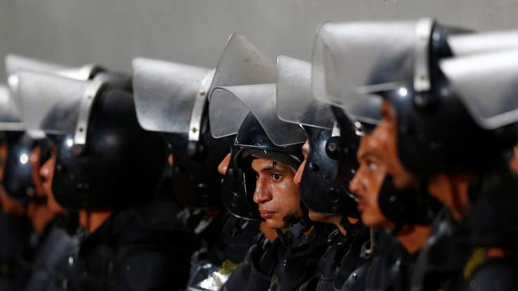 السجن والغرامة والعزل لـ 50 شرطيا بمصر