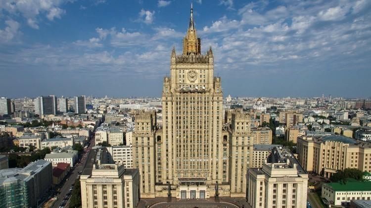 الخارجية الروسية: واشنطن تنزلق أكثر نحو عقلية الحرب الباردة