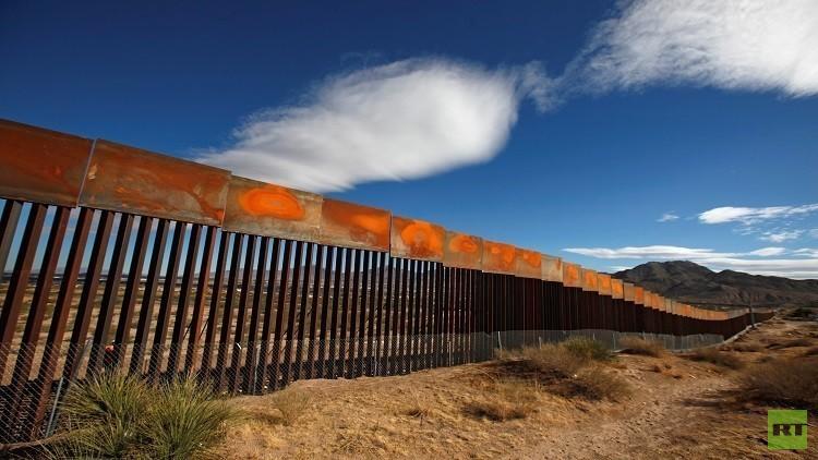 عشرات المكسيكيين لقوا حتفهم على الحدود الأمريكية وترامب مصر على بناء الجدار