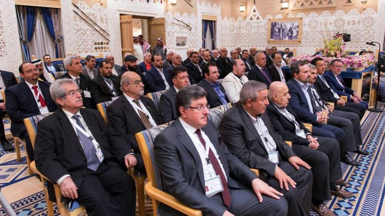 المعارضة السورية تطلب من السعودية استضافة مؤتمر ثان في الرياض