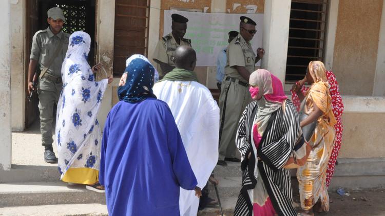موريتانيا تختار تغيير العلم وإلغاء مجلس الشيوخ