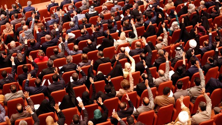 البرلمان العراقي يعدل قانون الانتخابات المحلية ويدمجها في النيابية