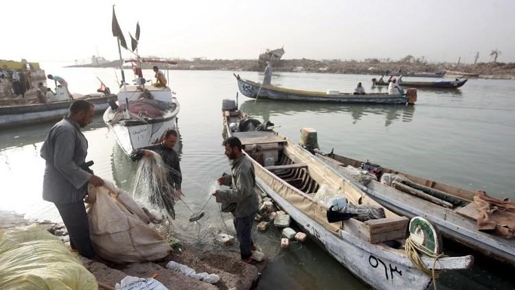 العراق يتسلم صياديه المحتجزين لدى الكويت