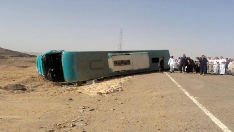 إصابة 26 سائحا بانقلاب حافلة في شرم الشيخ