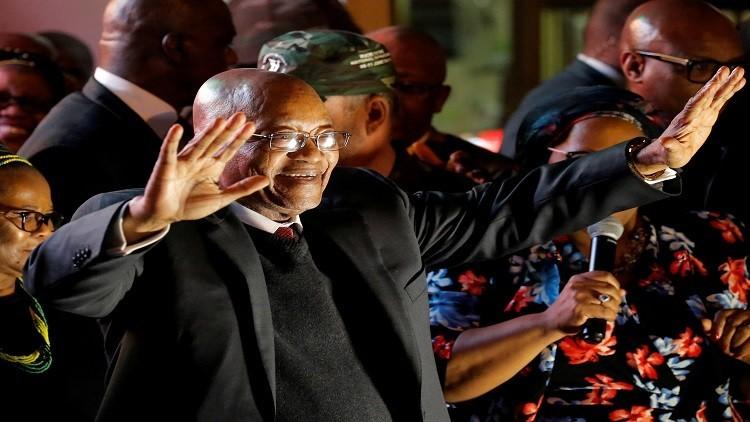 رئيس جنوب إفريقيا ينجو من حجب الثقة للمرة الـ9!