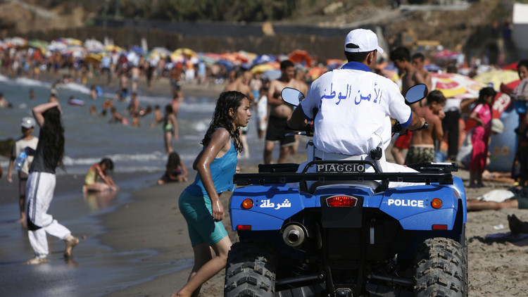 البكيني يفشل في اجتياح شواطئ الجزائر!