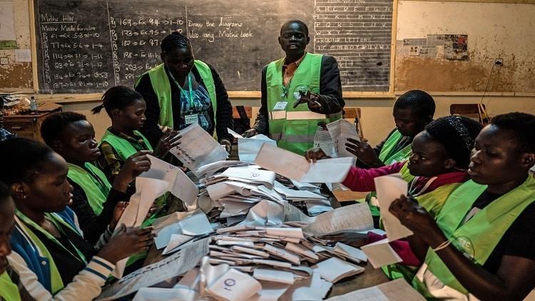 كينياتا يفوز في الانتخابات الرئاسة الكينية