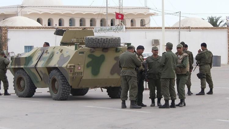 الجيش التونسي يقتل إرهابيين اثنين ويعتقل آخر