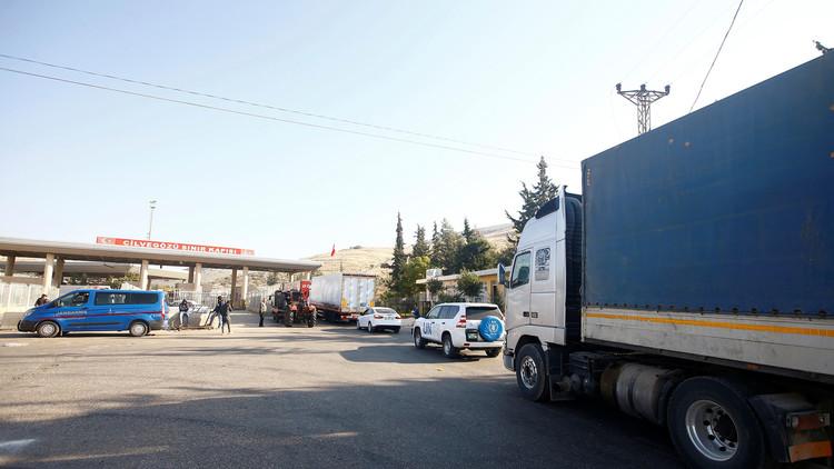 تركيا تقيد الحركة في معبر باب الهوى