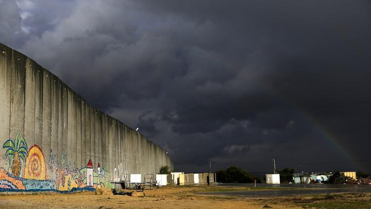 إسرائيل تبني جدارا جديدا عند حدود غزة