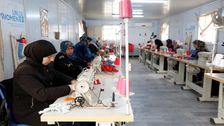 الأردن يصدر تصاريح عمل مؤقتة للاجئين السوريين