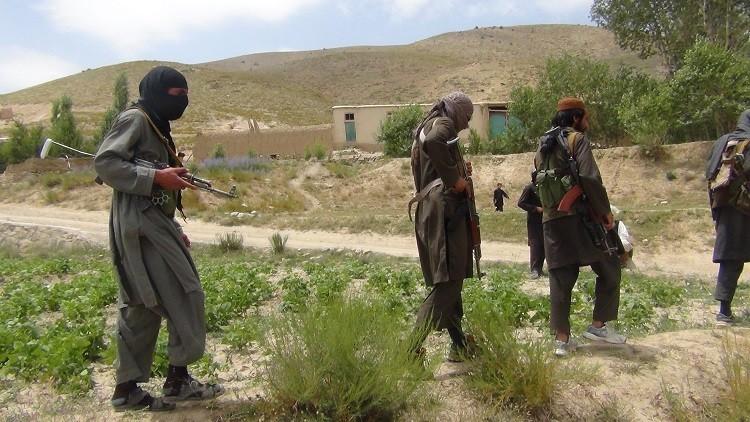 مقتل 30 مسلحا من طالبان بانفجار حزامين ناسفين في أفغانستان