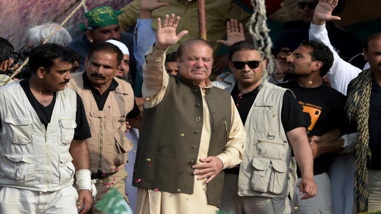 نواز شريف يدعو أنصاره إلى مساندته ويعد بتغيير مصير باكستان