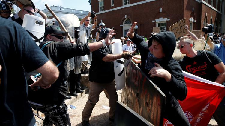 عمدة شارلوتسفيل: ترامب مسؤول عن عنف اليمين في المدينة