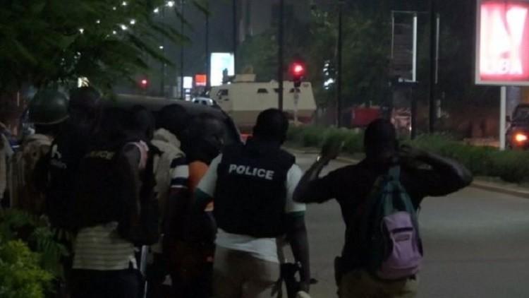 مقتل 18 شخصا بهجوم على مطعم تركي في بوركينا فاسو وتصفية مهاجمين اثنين