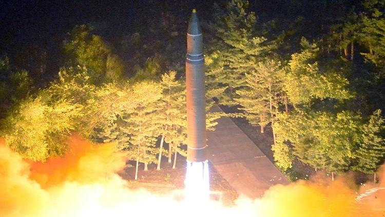 مسؤولون أمريكيون: بيونغ يانغ يمكنها إنتاج محركات الصواريخ دون الاعتماد على الاستيراد